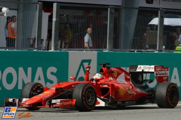 Vettel vencendo com a Ferrari, quem curti levanta a mão!! o/