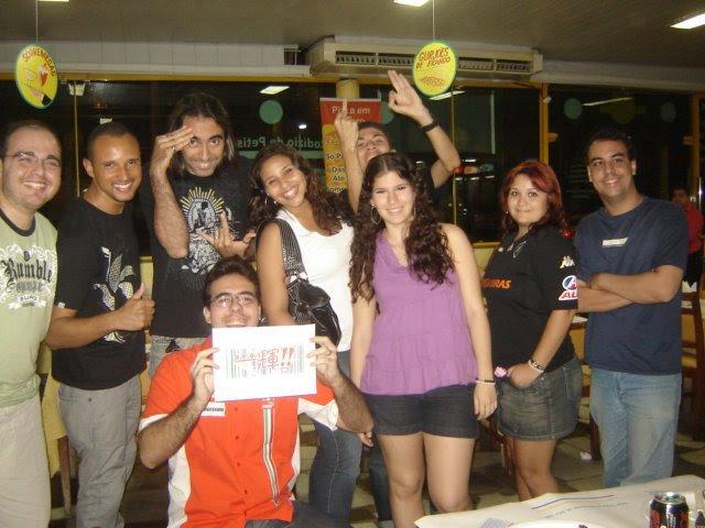 Vários integrantes do a.k.a. Ikki!! (2010)