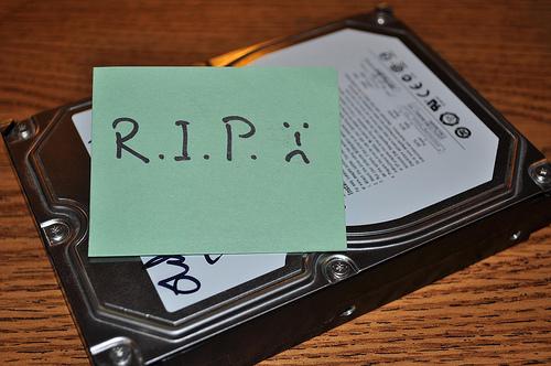 """""""Existem dois tipos de usuários: aqueles que já perderam um HD e aqueles que vão perder um dia..."""""""